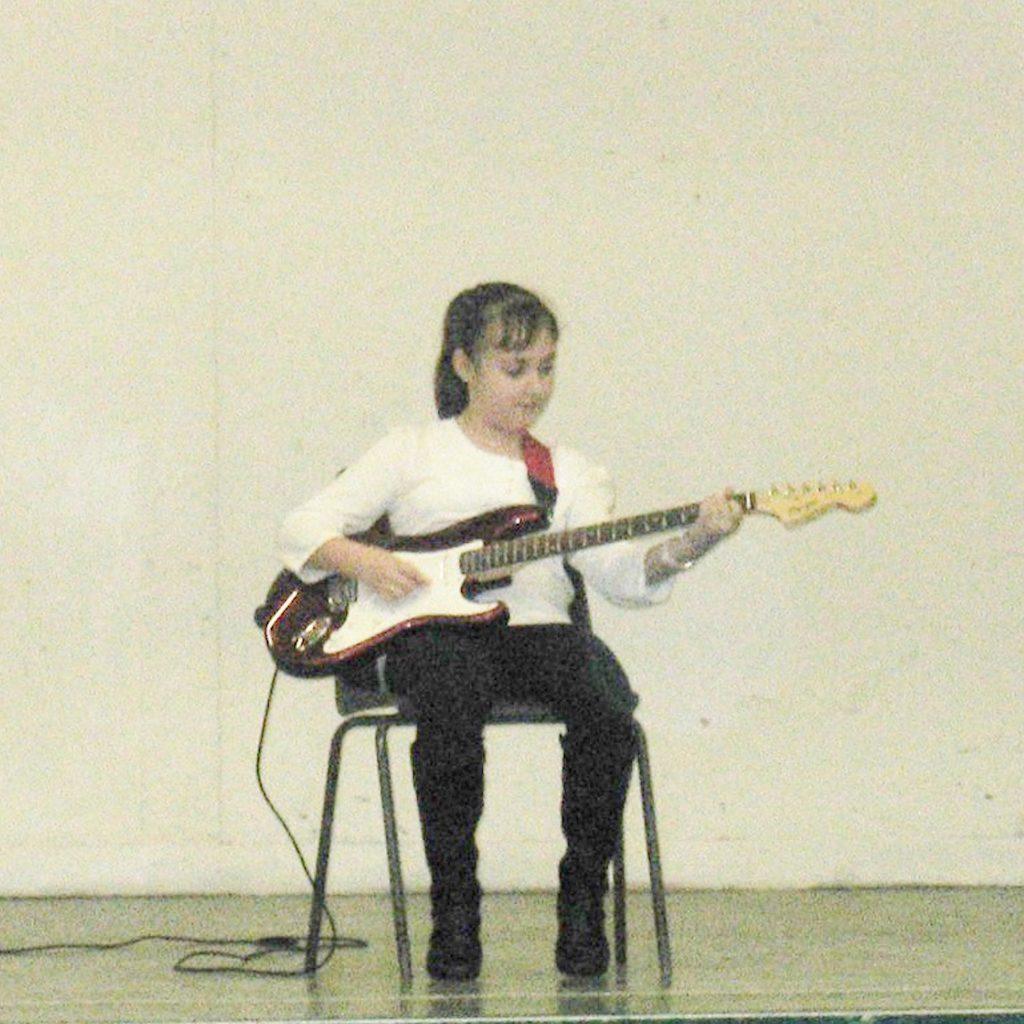 guitar-lessons-cardiff-rach